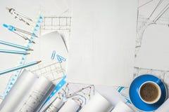 Рабочее место архитектора - крены и планы стоковые фотографии rf