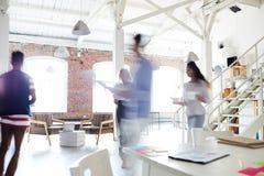 Рабочий день на офисе стоковое изображение rf