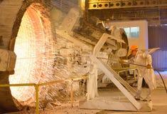 Рабочий сталелитейной промышленности стоковое фото