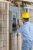 Рабочий-строитель контрактора электрика Стоковая Фотография RF