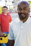 2 рабочий-строителя на работе Стоковые Изображения RF