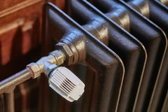 Радиатор в старом здании стоковая фотография rf