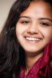 радостное красивейшей девушки индийское стоковые изображения