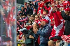 Радостные вентиляторы Spartak стоковые фотографии rf