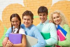 радостные подростки Стоковая Фотография