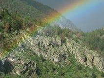 радуга горы Стоковая Фотография