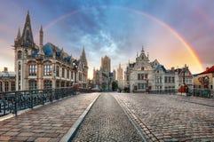 Радуга над город Гентом, Бельгией старый стоковое изображение rf