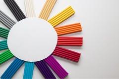 Радуга пластилина изолированная на белой предпосылке стоковые изображения