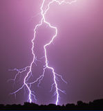 разбалластование болта предпосылки темное изолированное сверх Стоковое Фото