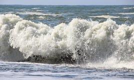 Разбивать волн Стоковая Фотография