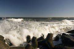 разбивать трясет волны Стоковые Фотографии RF