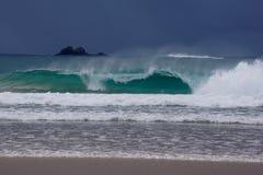 Разбивающ, волны завальцовки Стоковые Изображения RF