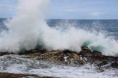 разбивая волны Стоковое Изображение