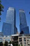 разбивочные башни warner времени nyc Стоковые Фото