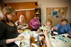 разбивочные обслуживания пенсионеров социальные Стоковые Фотографии RF