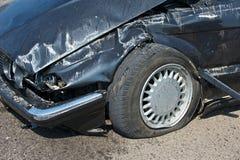 разбили автомобиль, котор Стоковые Изображения