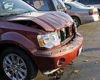 разбили автомобиль, котор Стоковые Фото