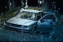 Разбили и sunken автомобиль стоковое фото rf