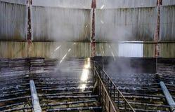 Разбрызгивающие головки стояка водяного охлаждения воды внутри стояка водяного охлаждения Стоковое Фото