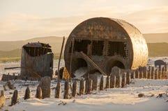 Развалина корабля на пляже Стоковые Фотографии RF