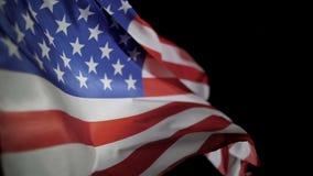 Развевать флага Соединенных Штатов Америки на День независимости или День памяти погибших в войнах сток-видео