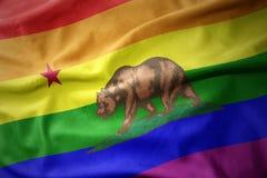 Развевая знамя флага гей-парада радуги положения Калифорнии бесплатная иллюстрация
