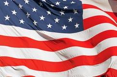 Развевая реальный американский флаг Стоковая Фотография