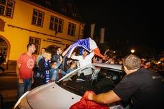Развевая флаг Франция Франции для окончательного ФИФА Стоковая Фотография RF