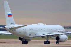 Разведывательный самолет Туполева Tu-204R 64511 русской военновоздушной силы ездя на такси на Zhukovsky Стоковые Изображения
