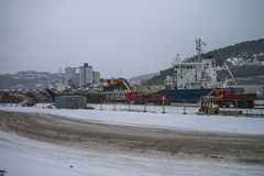 Разгржает гравий в погоде снега стоковые фото