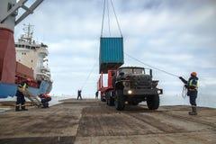 Разгржать корабль на льде стоковая фотография rf