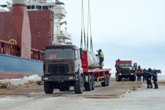 Разгржать корабль на льде стоковые изображения rf
