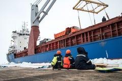 Разгржать корабль на льде стоковое фото rf