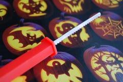 Разделочный нож тыквы стоковое фото