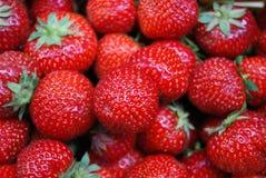 раздробите strawberrys на участки Стоковая Фотография