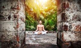 Раздумье йоги в Индии Стоковое Изображение RF