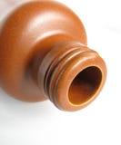разлейте глину по бутылкам стоковые изображения