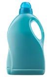разлейте тензид по бутылкам Стоковое Изображение