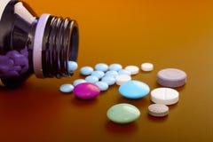 разленные таблетки Стоковая Фотография RF