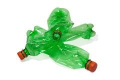 разливает пластмассу по бутылкам Стоковое фото RF