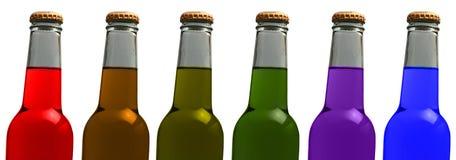 разливает цветастую соду по бутылкам Стоковые Фотографии RF