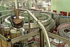 Разливая по бутылкам завод Стоковые Изображения