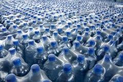 разлитый по бутылкам стог сока Стоковая Фотография RF