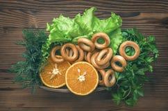 Различная еда на кухонном столе еда здоровая стоковое изображение