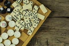 Различная шахматная доска настольных игр, играя карточки, домино Стоковое Изображение