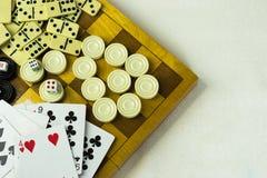 Различная шахматная доска настольных игр, играя карточки, домино Стоковые Изображения