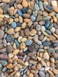 Различные виды, цвета, формы и размеры гравиев стоковые изображения rf