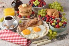 Различные завтраки стоковые изображения