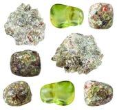 Различные изолированные камни самоцвета оливина Peridot Стоковые Фотографии RF