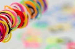 Различные красочные пластичные автошины, селективная ясность, стоковая фотография